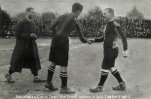0010 Barcelona v Crook Town 1922 Jack Thickett Crook captain on right x